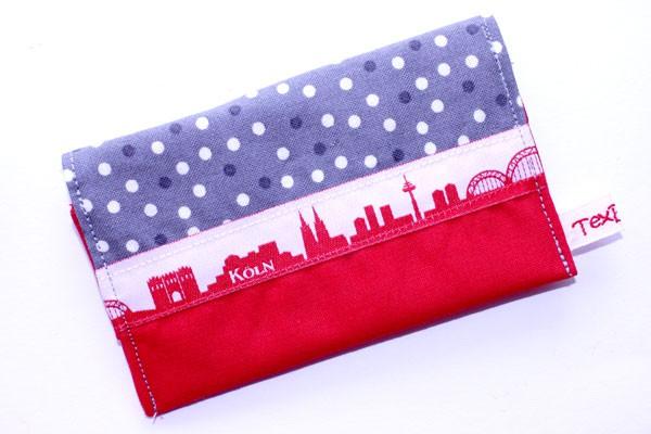 Karten-Etui - Grau-weiße Tupfen mit Rot / Köln-Skyline