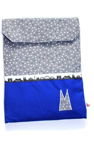 Tablet-Hülle - Grau-weiße Tupfen mit Blau / Köln-Skyline / graue Domspitzen