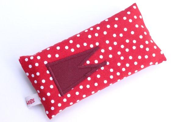Taschentücher-Box-klein - Rot-weiße Tupfen mit dunkelrotem Dom
